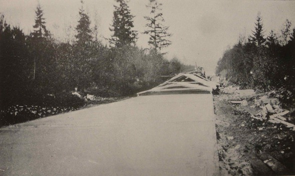 Paving Pacific Highway 1920 - past the bog
